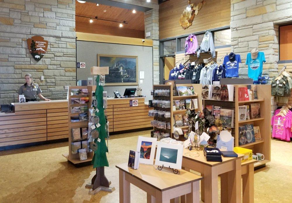Canyon Rim Visitor Center: 162 Visitor Center Rd, Lansing, WV