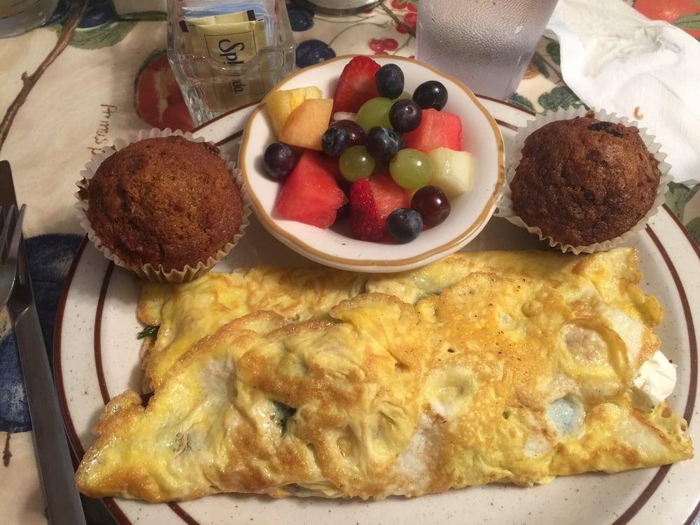 Carol's Cafe: 2932 Almanor Dr W, Prattville, CA