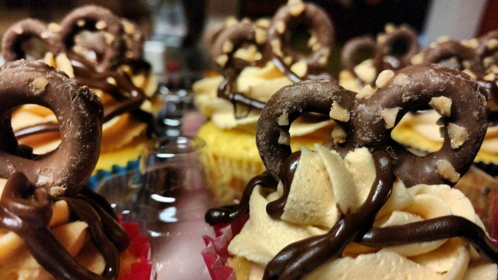 Shirley Goodness Cupcakes: 125 Murphy St, Jonesville, MI