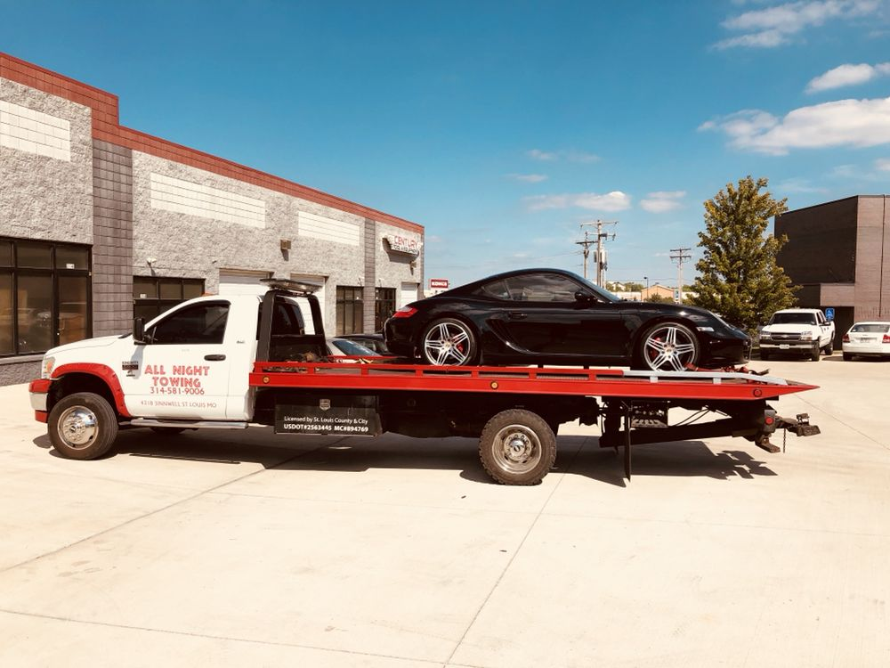 Towing business in Old Jamestown, MO