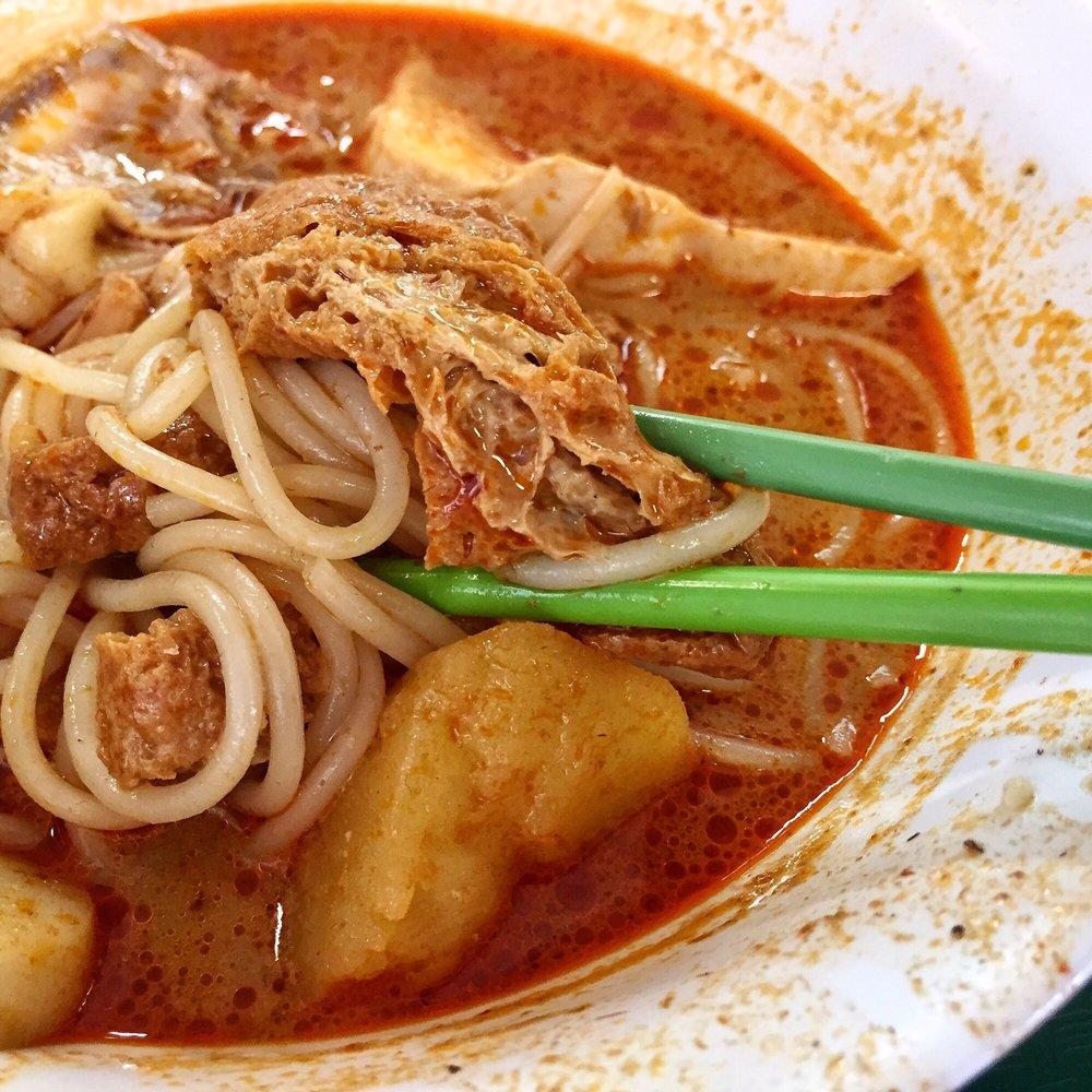 Heng Kee Curry Chicken Mee