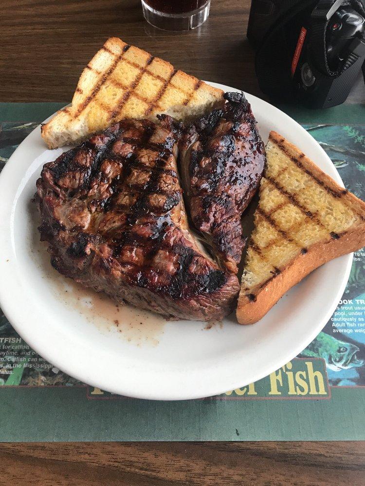 Bob's Steakhouse: 29336 US-212, Gettysburg, SD