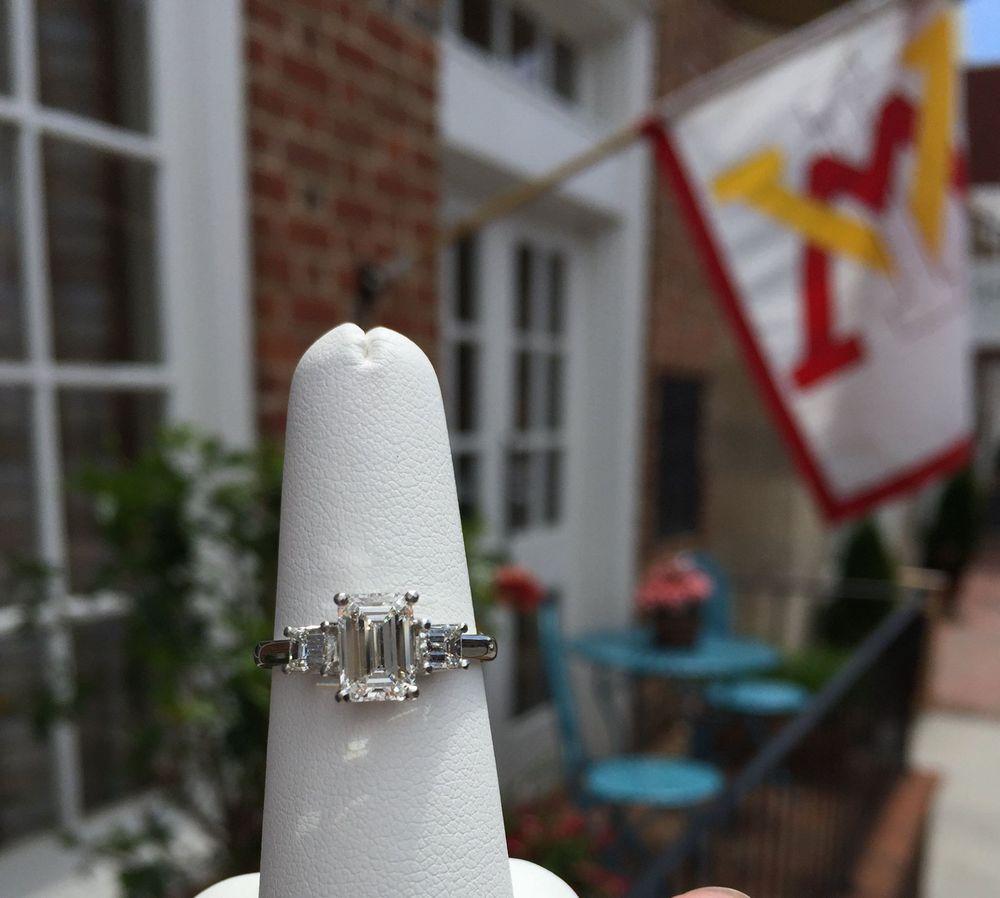 Hess & Co. Jewelers: 22 S Main St, Lexington, VA
