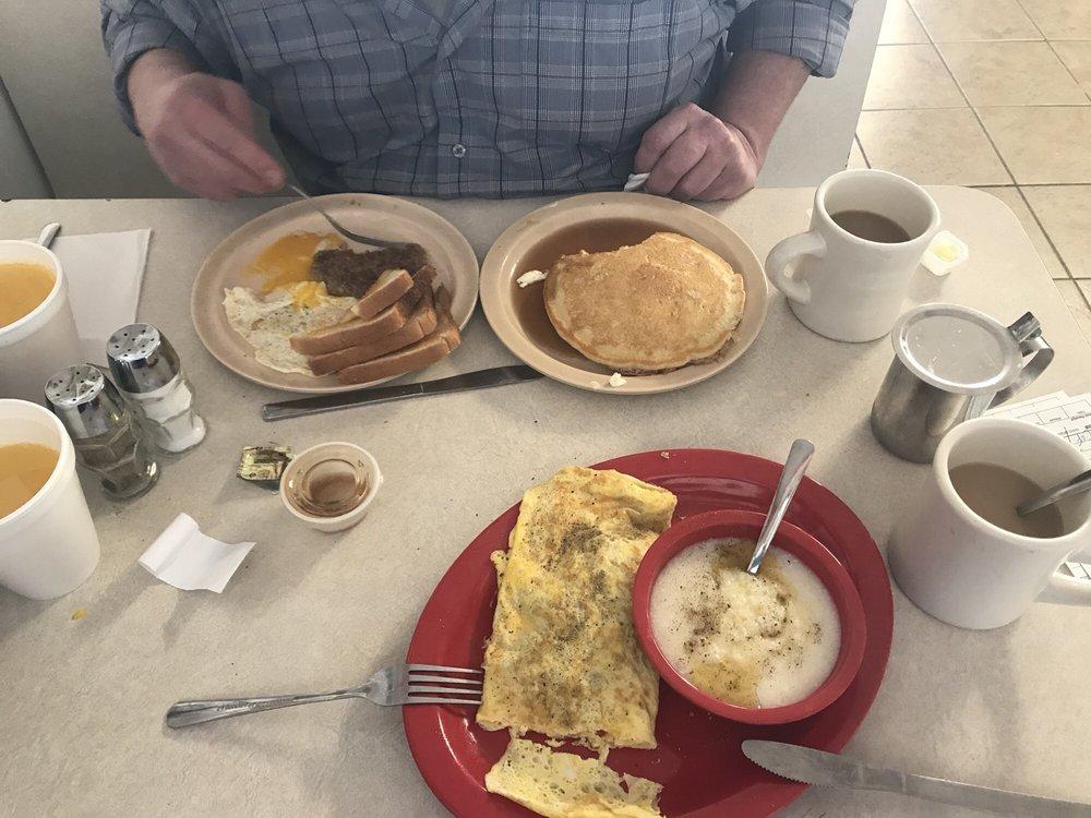 Franklin Cafe: 1251 E Main St, Franklin, NC