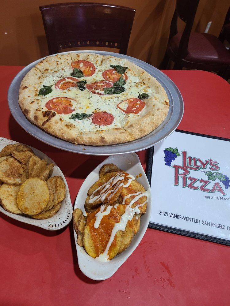 Lily's Pizza: 2424 Vanderventer Ave, San Angelo, TX