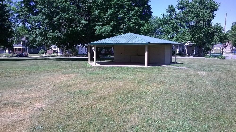 Thompson Park: 1751 Oak St, Terre Haute, IN