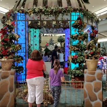 Palm Beach Gardens Mall Santa Pictures 11