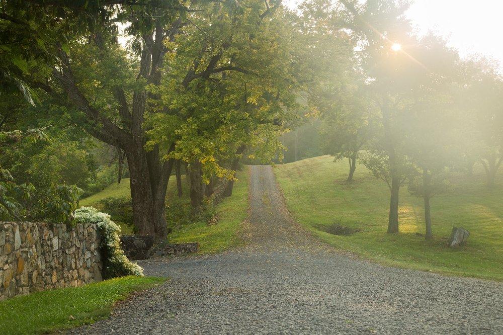 Glen Gordon Manor: 1482 Zachary Taylor Hwy, Huntly, VA