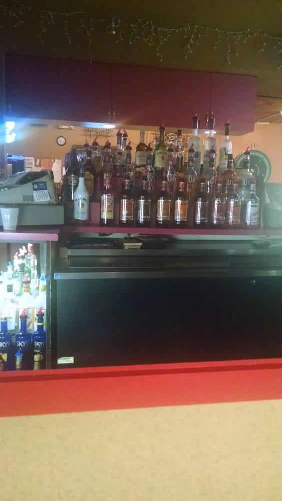 Charlie Brown's Bar: 414 Gateway Dr, Grand Forks, ND