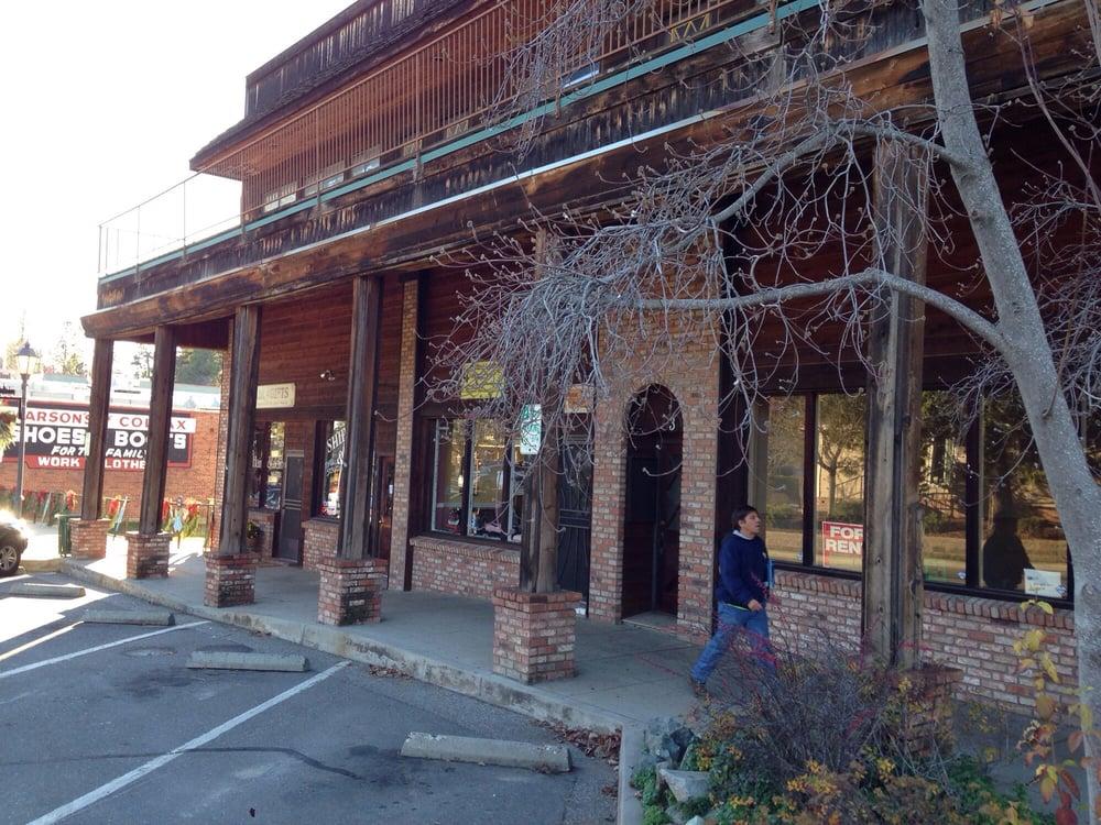Doggie Depot: 5 South Main St, Colfax, CA
