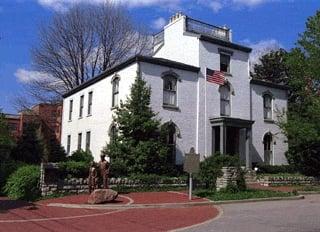 Daniel Carter Beard Home: 322 E Third St, Covington, KY