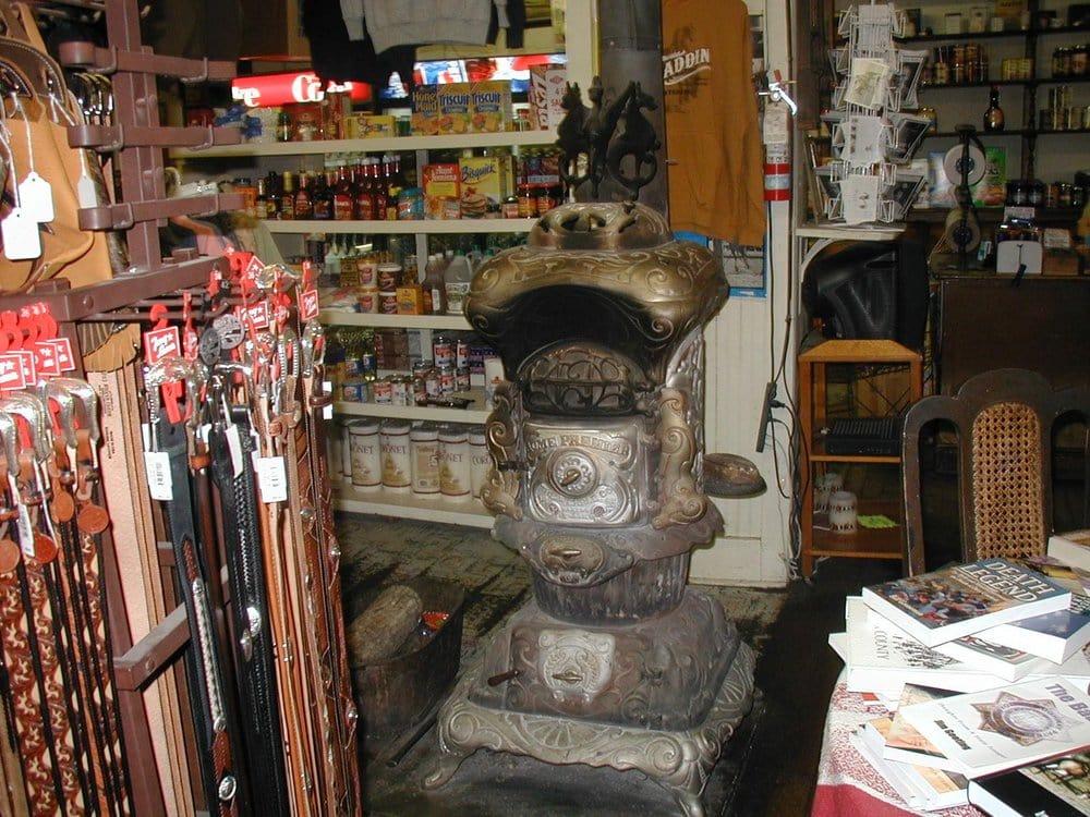 Aladdin General Store: 1 Rodeo Dr, Aladdin, WY