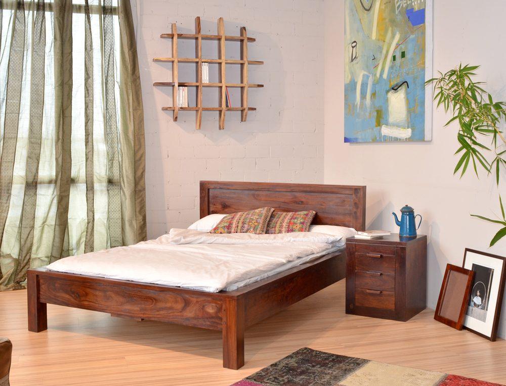 massivholzbett aus palisander und akazienholz mit nachttisch und wandregal yelp. Black Bedroom Furniture Sets. Home Design Ideas