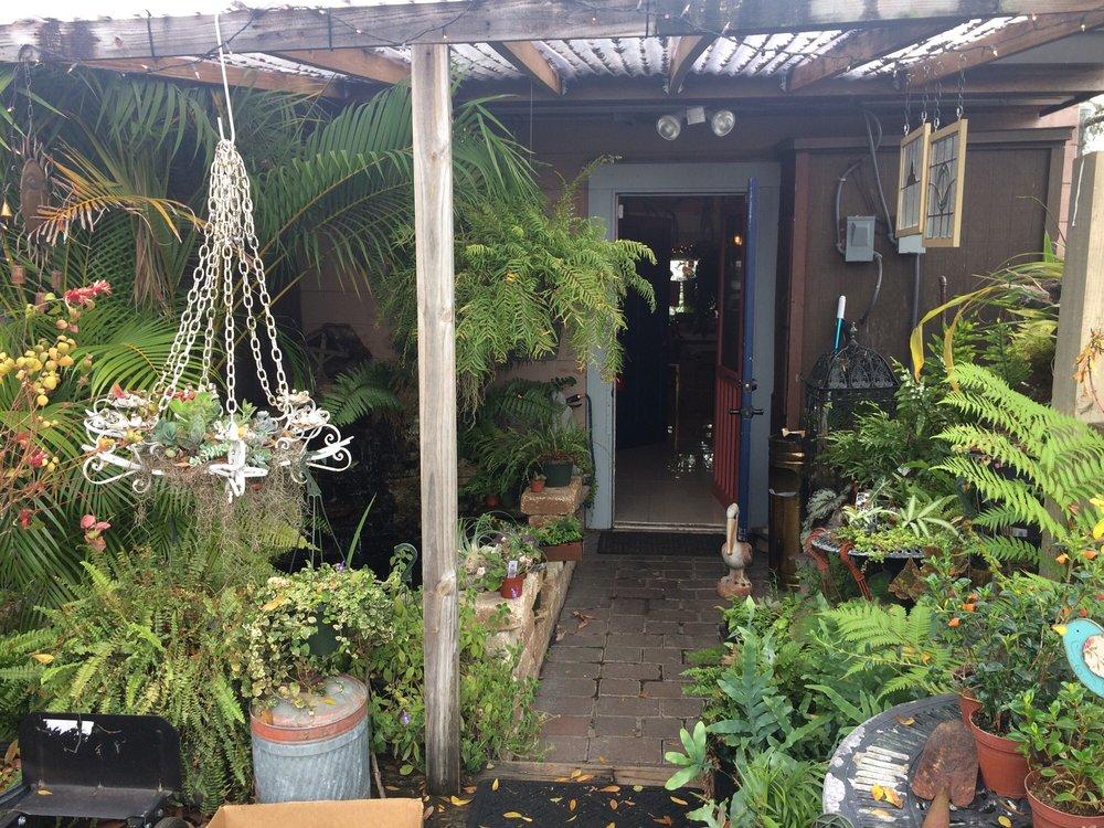 Urban Garden and Goods