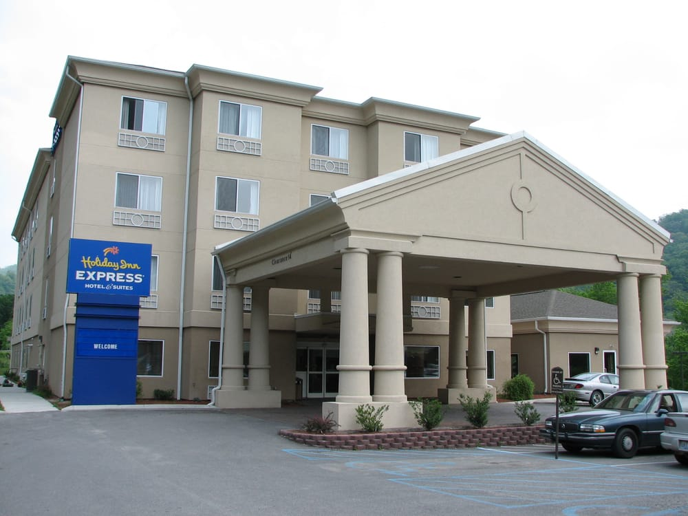 Holiday Inn Express & Suites Pikeville: 476 S Mayo Trl, Pikeville, KY
