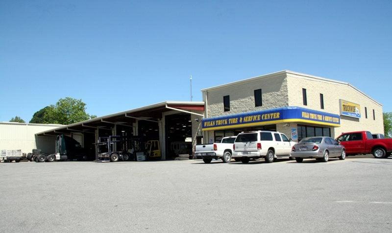 Wilks Truck Tire & Service Center: 424 N Carlisle St, Albertville, AL