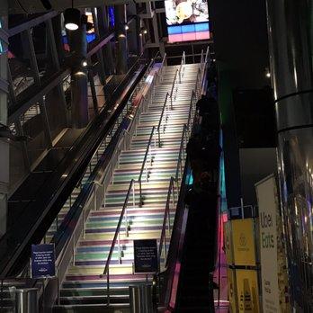 Scotiabank Theatre - 98 Photos & 151 Reviews - Cinema - 259