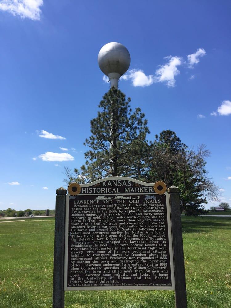 Lawrence Rest Area - Kansas Turnpike: Kansas Turnpike, Tonganoxie, KS