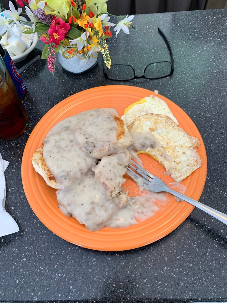 Walker's Diner: 307 N Main St, Farmville, VA
