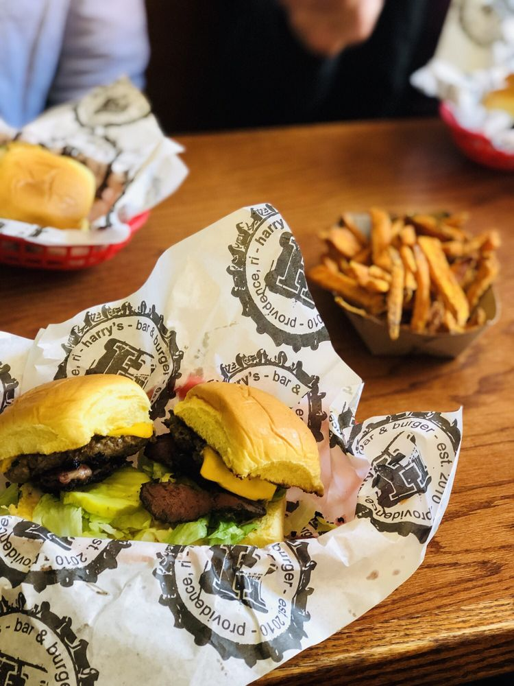 Food from Harry's Bar & Burger