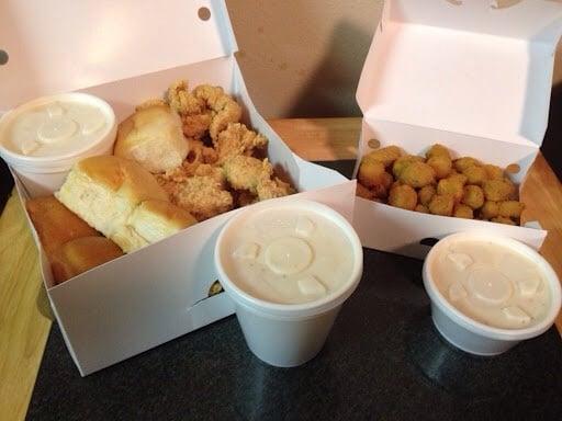 Bush's Chicken: 602 N Dallas Ave, Lamesa, TX