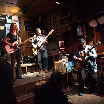 BLUES Photos Reviews Jazz Blues N - Chicagos top 10 places to hear live blues music