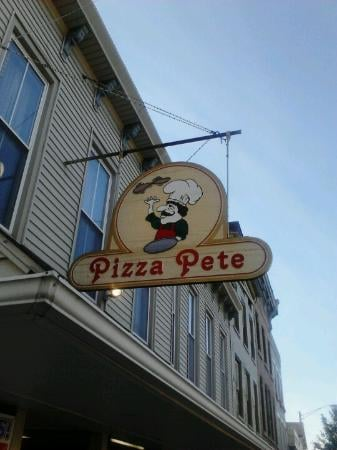 Pizza Pete: 534 Main St, Brookville, IN