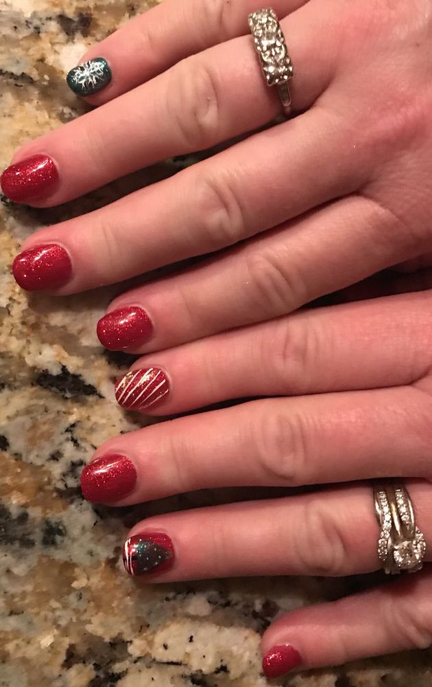 East Hampton Nail Salon Gift Cards - Connecticut | Giftly
