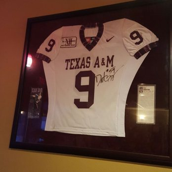 best service 9e394 ca8ae The family of the famous Dat Nguyen, Texas A&M player and ...