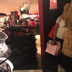 Victorias Secret 14 Photos 53 Reviews Lingerie 165 E 86th