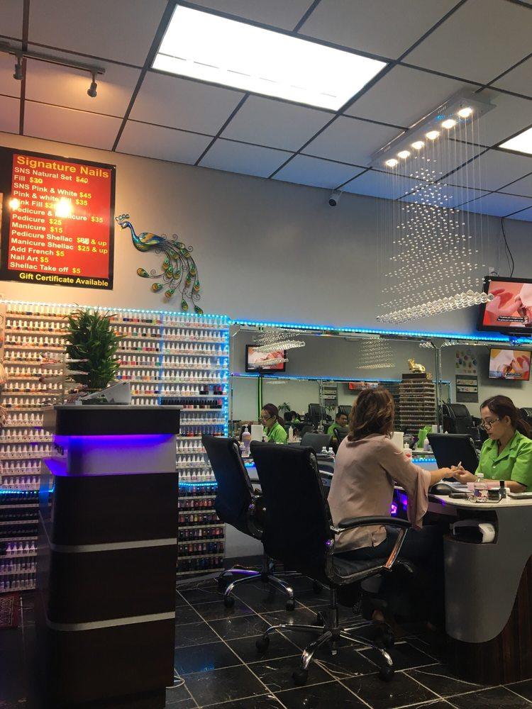 Signature Nails: 2767 W Republic Rd, Springfield, MO