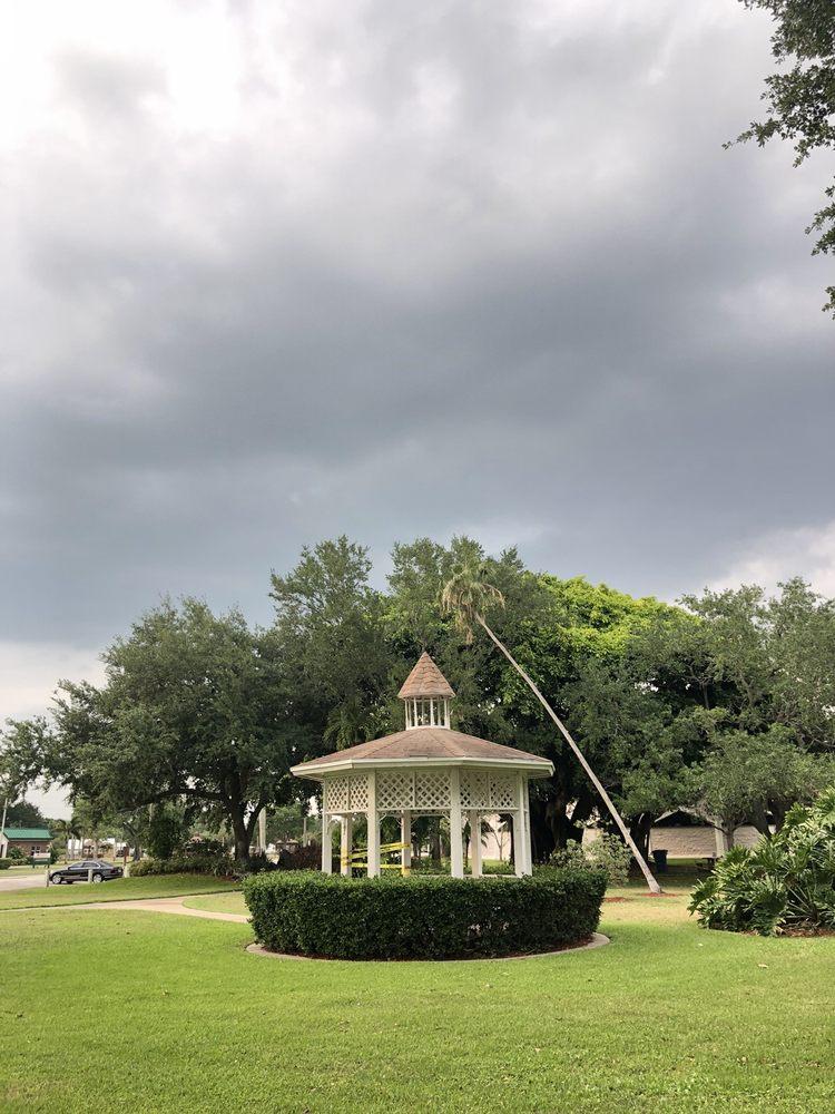 Civic Park: 1024 W Sugarland Hwy, Clewiston, FL
