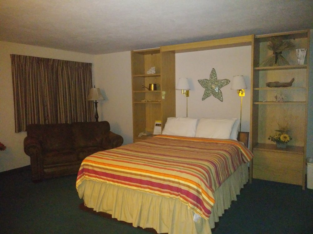 Buffalo Inn & Suites: 1400 W Dallas St, Buffalo, MO