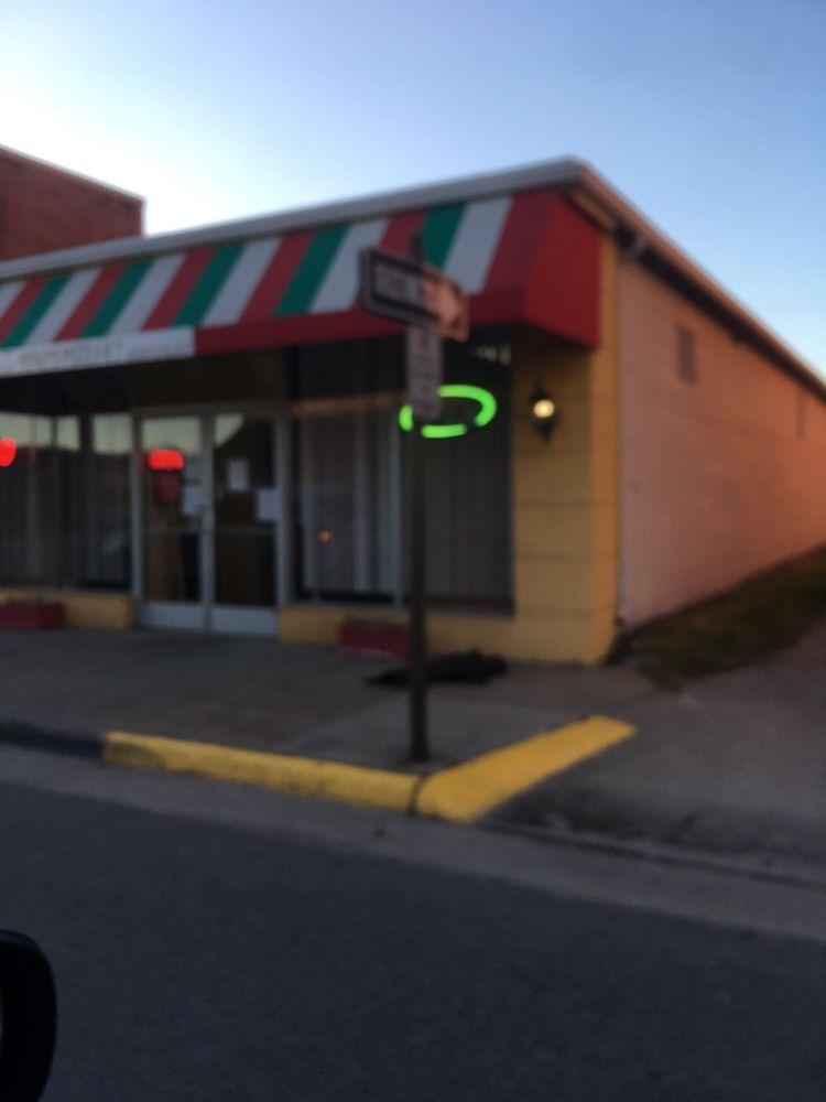 Pino's Pizza 2: 314 W Main St, Waverly, VA