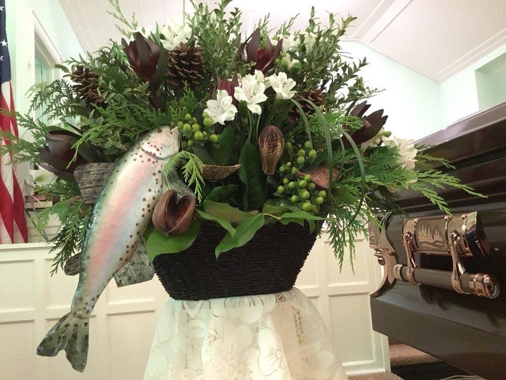Floral Gardens: 260 Indianhead Rd, Wakefield, MI