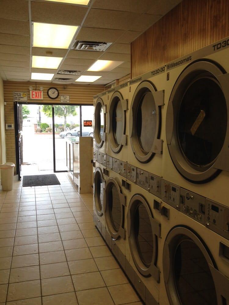 Ir Laundromat & Gifts