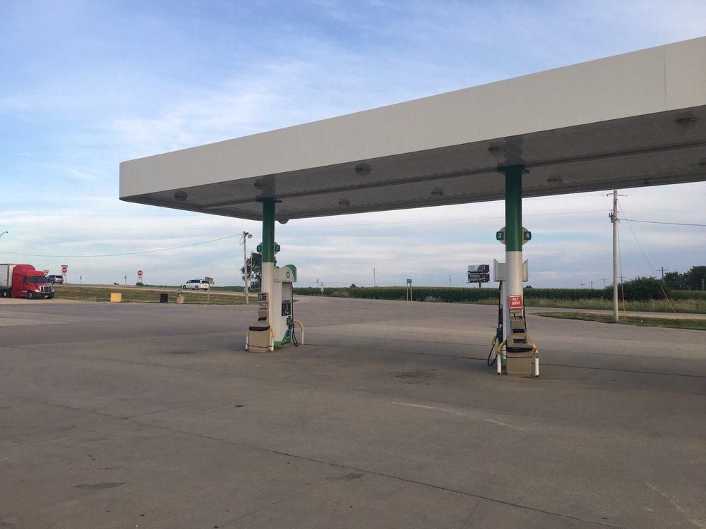 BP Gas Station: 2574-2592 190th St, Dewitt, IA