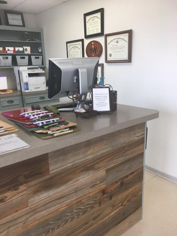 Hondo Veterinary Hospital: 2709 19th St, Hondo, TX