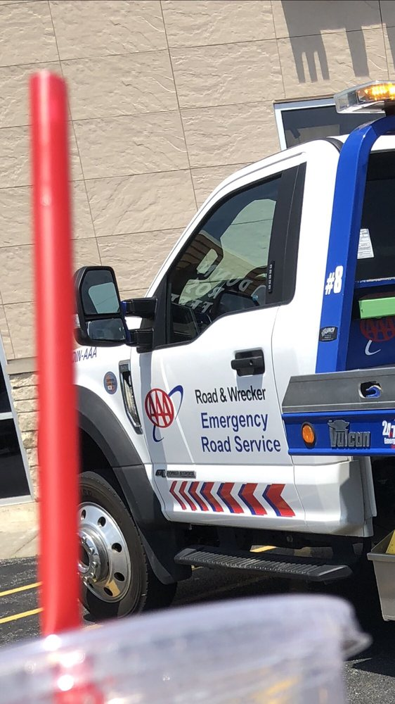 Towing business in Moline, IL