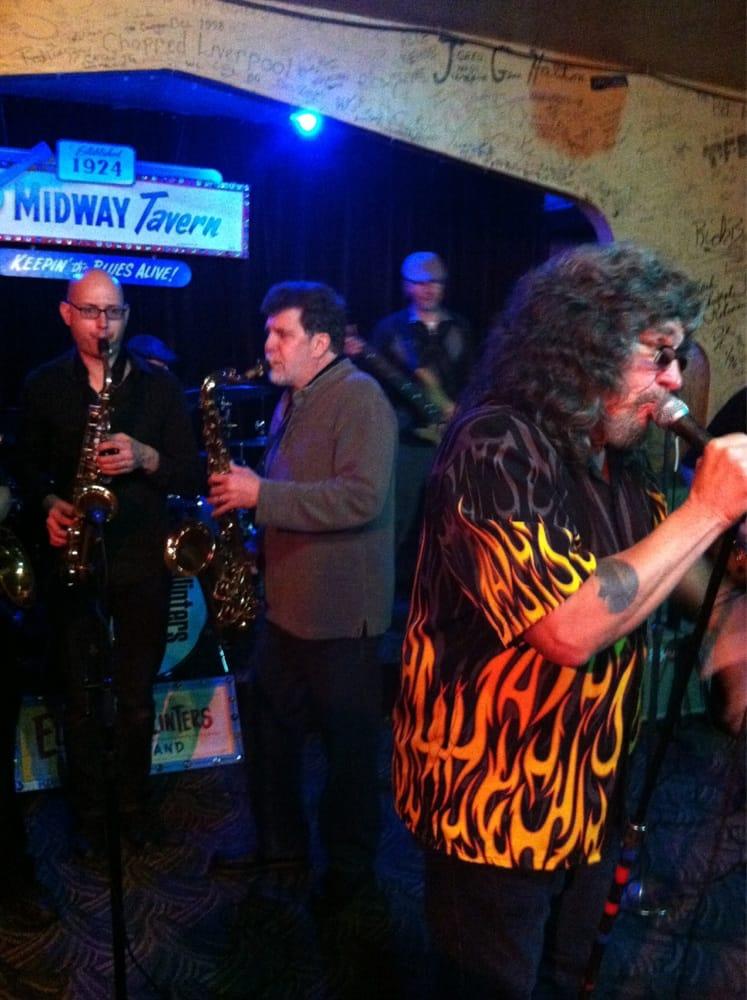 Midway Tavern: 810 W 4th St, Mishawaka, IN