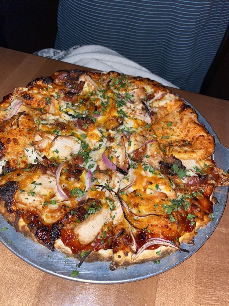 Sawmill Pizza & Taphouse: 176 Copper Cir, Frisco, CO