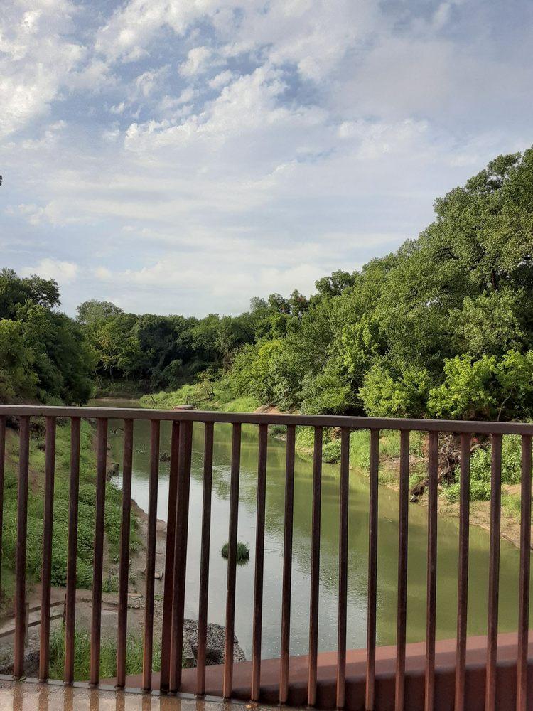 River Legacy Parks: 701 NW Green Oaks Blvd, Arlington, TX