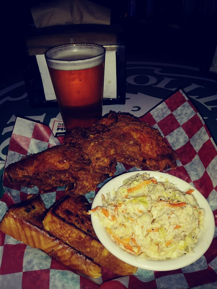 Humpty's Dump Bar and Grill: 916 Old Salem Rd NE, Albany, OR