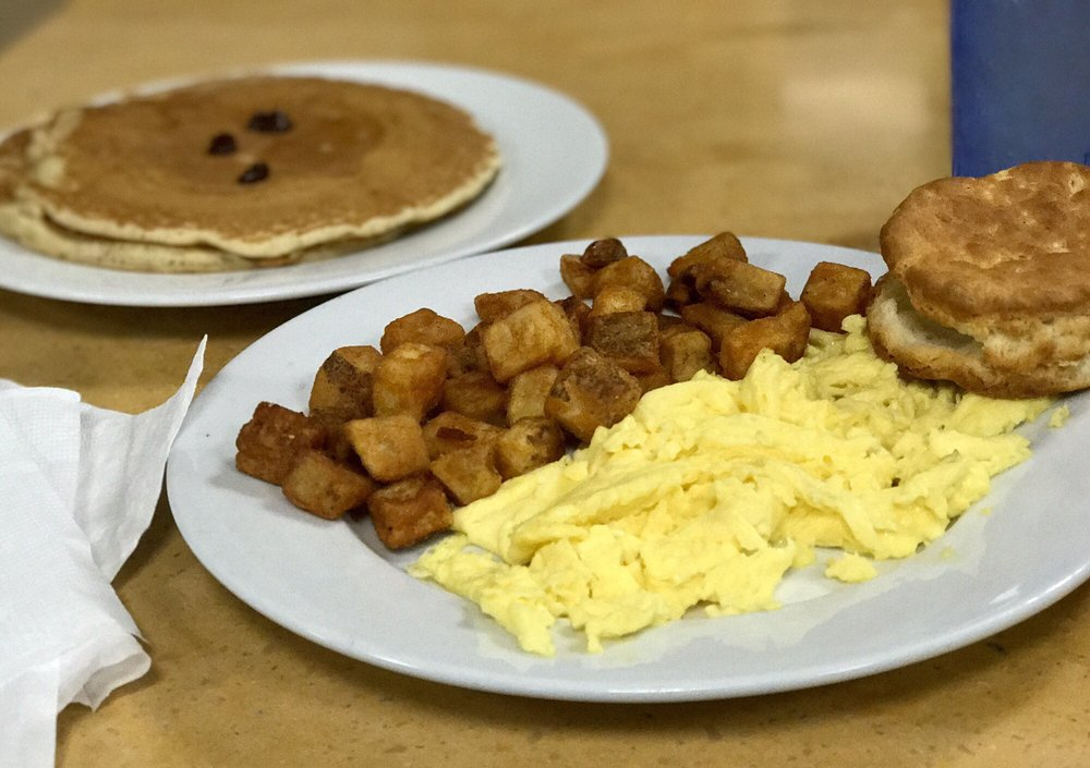 D'egg Diner: 204 E Main St, Norfolk, VA
