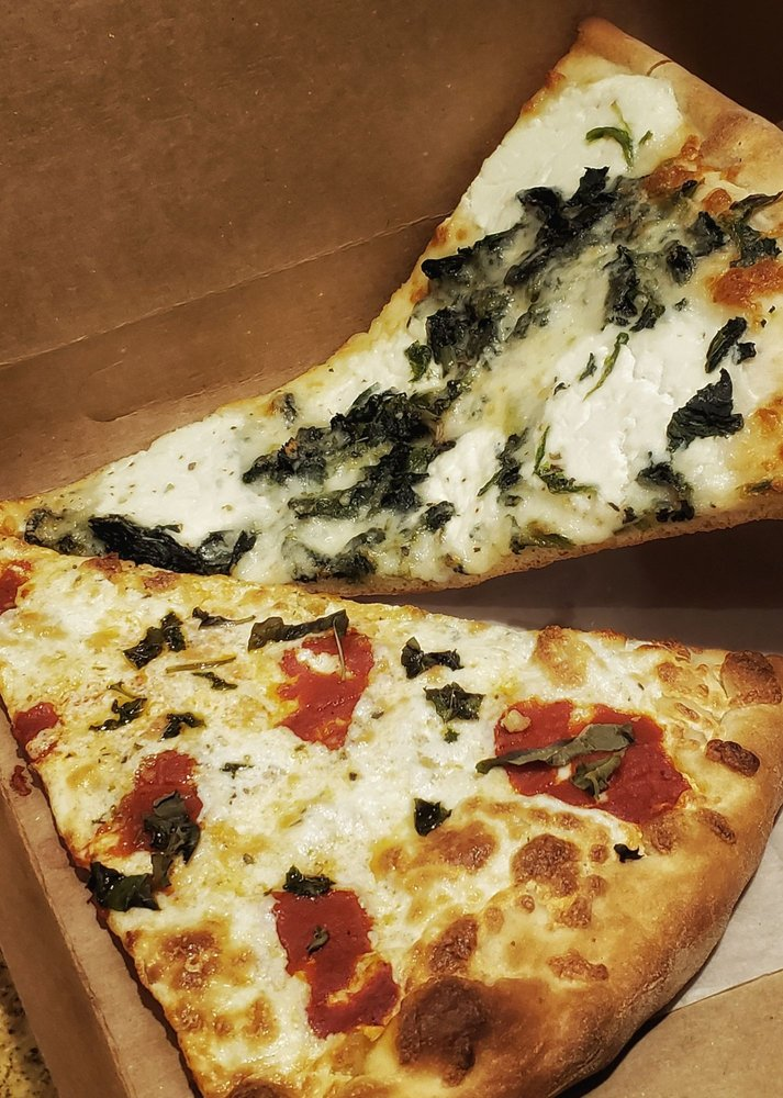 Bello Pizza: 118 N county Shopping Ctr, Goldens Bridge, NY