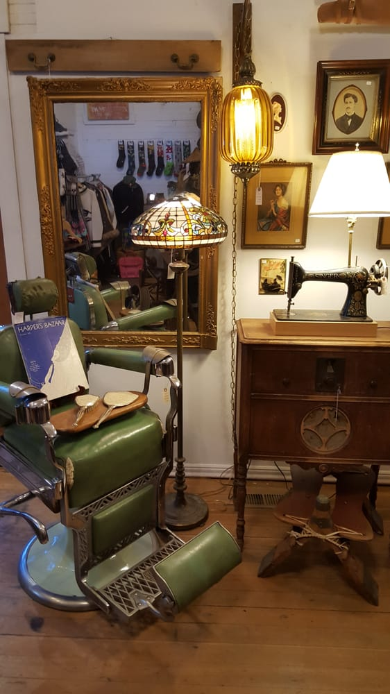 Willy Nilly Antiques & Relicology: 101 Pennslyvania Ave, Roslyn, WA