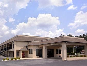 Days Inn by Wyndham Biscoe: 531 East Main Street, Biscoe, NC