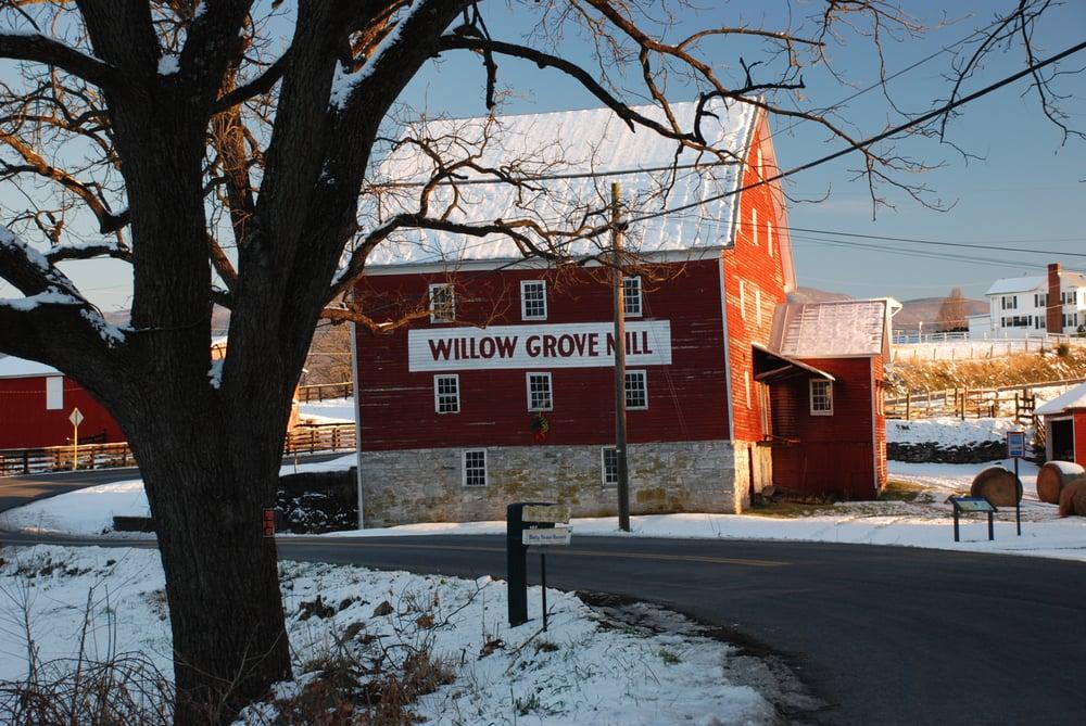 Willow Grove Farm Market: 571 Virginia Ave, Luray, VA
