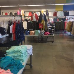 c42bef3ad8c Old Navy Clothing Store - 15 Reviews - Men s Clothing - 1731 ...