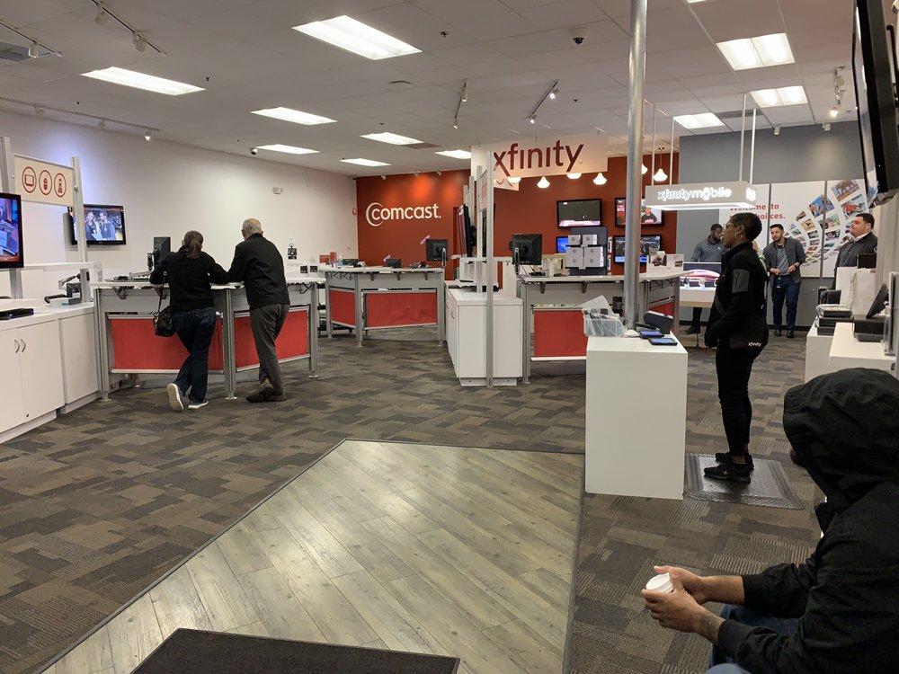 Xfinity Store by Comcast: 3800 Klose Way, Richmond, CA